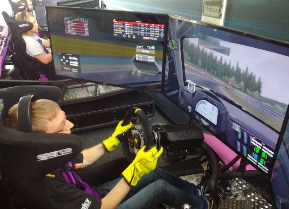 MSC Team in der sim4race GT4 Challenge unterwegs